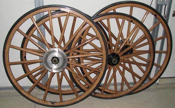 Set of four wooden wheels - brake discs